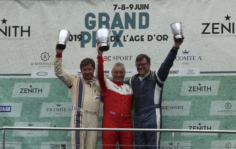amb-999-podium16.jpg · Gipimotor