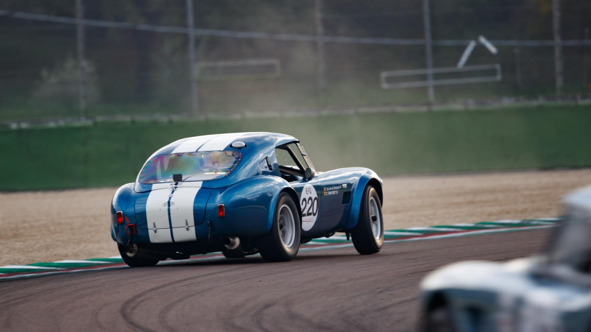 Imola-Classic : la Shelby Cobra 289 remporte le titre Sixties' Endurance · Gipimotor